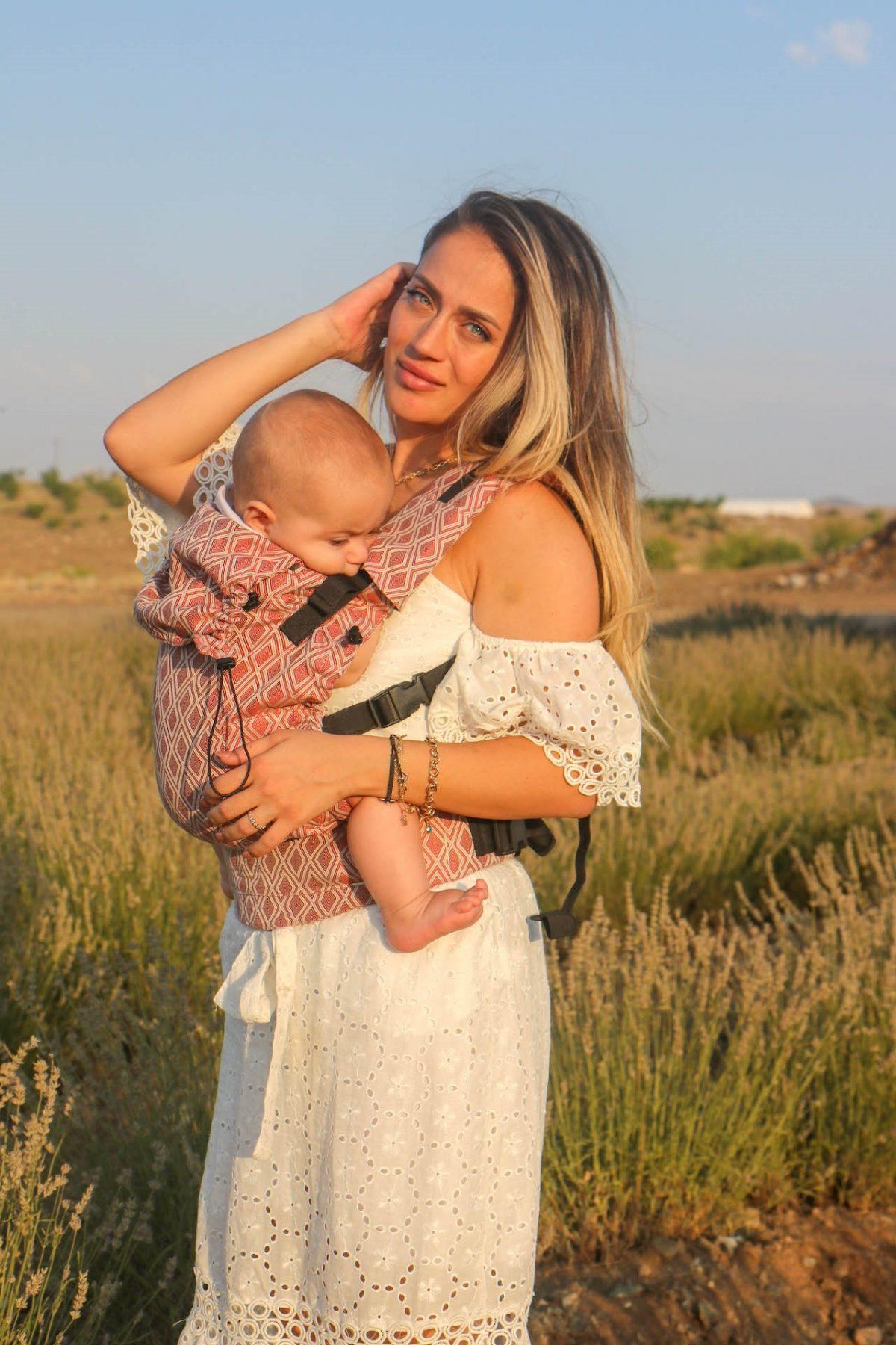 Neko Switch Baby Size Carrier - Lycia Terracotta